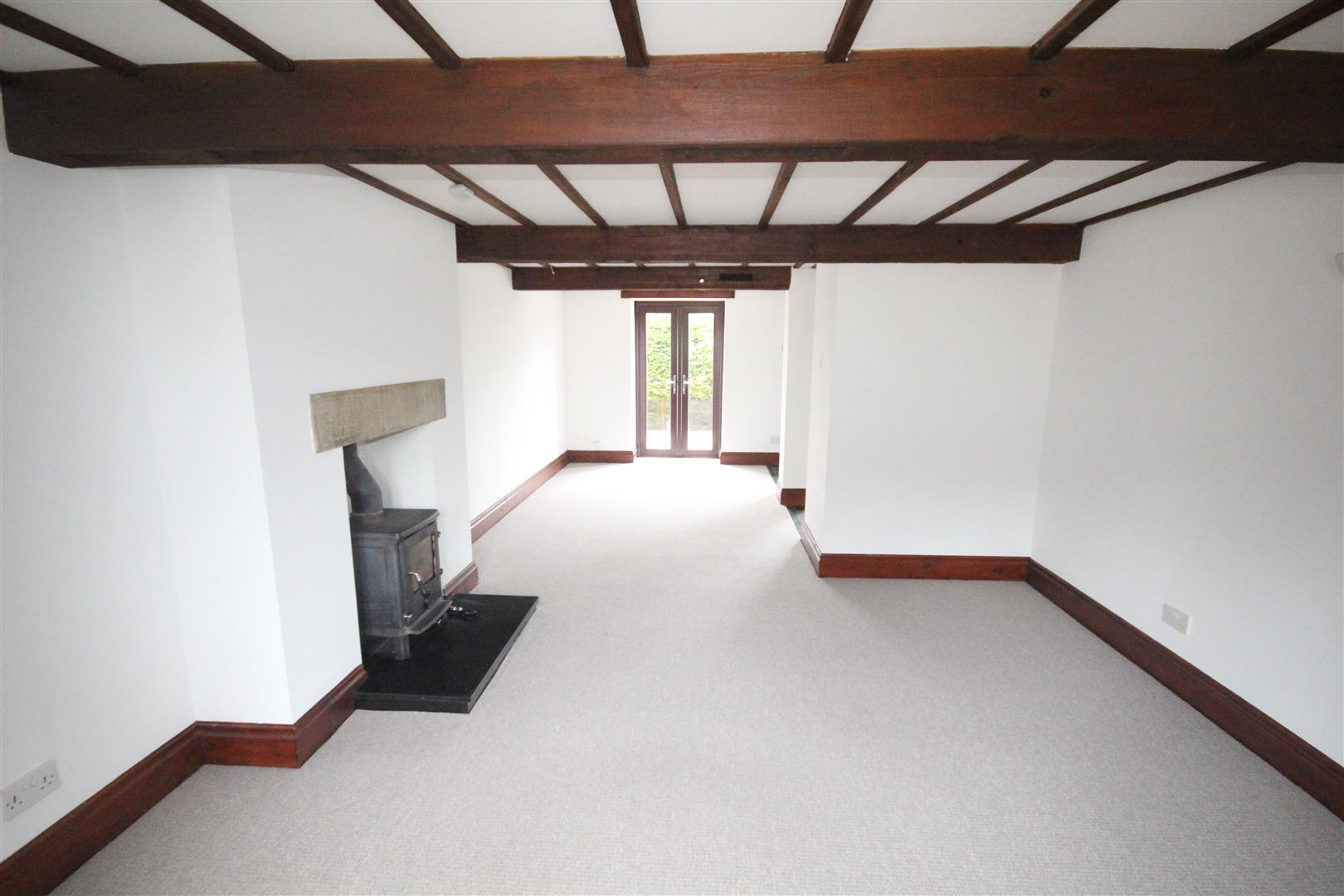 3 bedroom semi-detached house Let Agreed in Salterforth - Property photograph